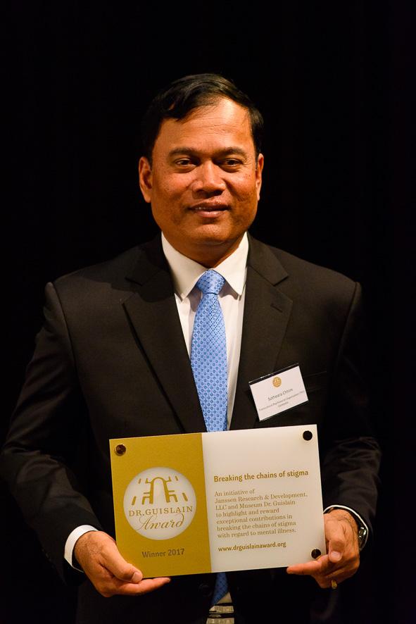 Dr. Chhim: 'Deze prijs is een sterke bemoediging.' © Generalaat Broeders van Liefde