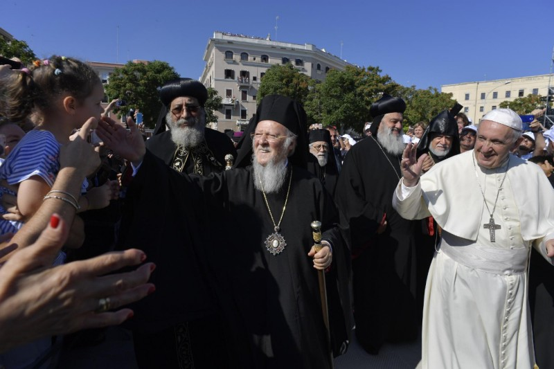 Paus Franciscus met onder meer de patriarchen Tawadros II, Bartholomeos I en Ignace Aphrem II Karim, en catholicos Karekin II © VaticanMedia
