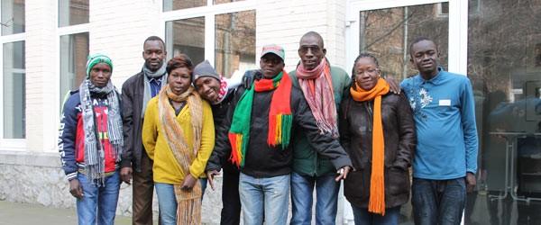 De acht ontwikkelingshelpers uit Burkina Faso die voor Broederlijk Delen enkele weken in Vlaanderen te gast waren © Broederlijk Delen