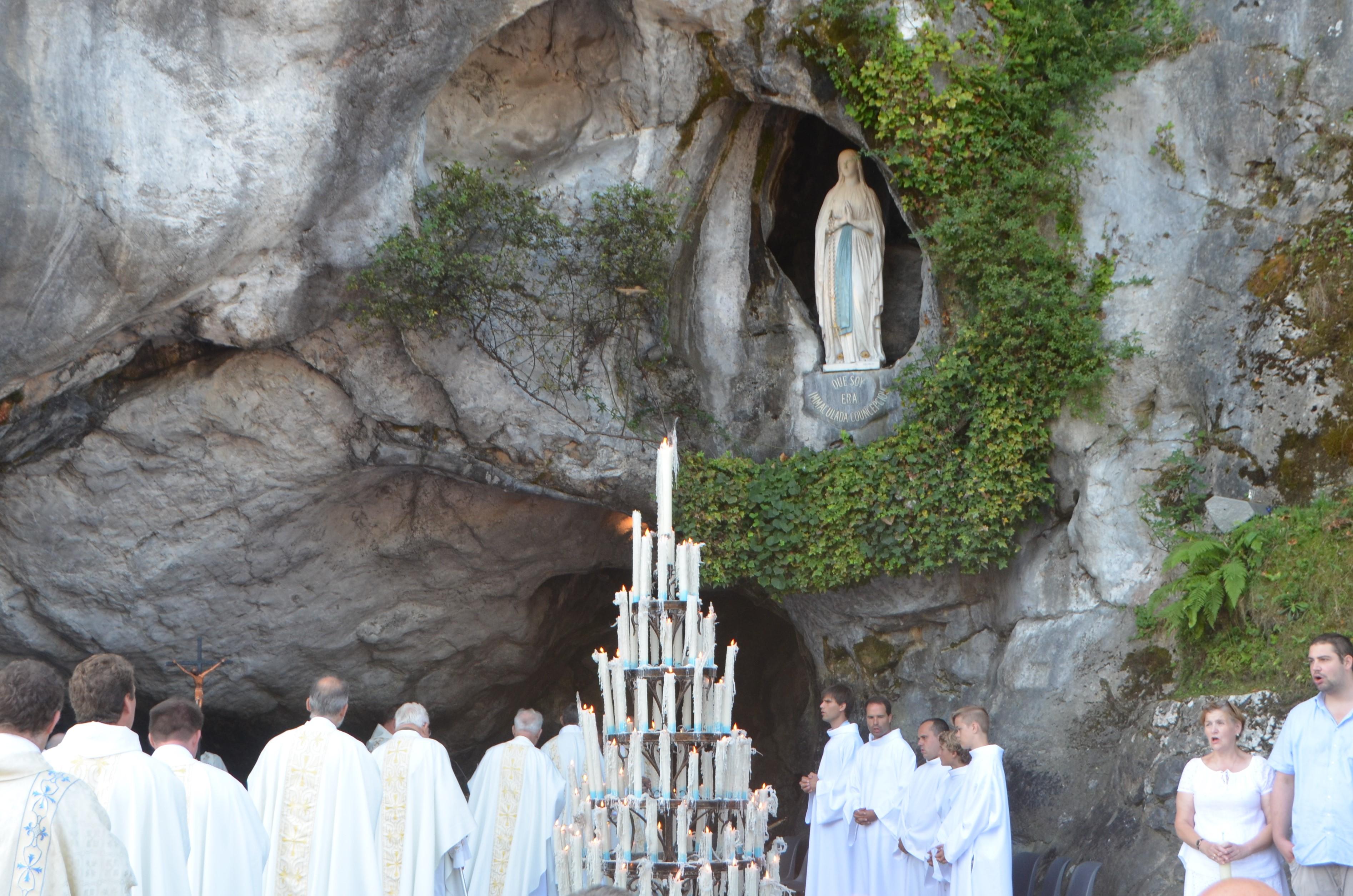 Bedevaart Lourdes © Mariette