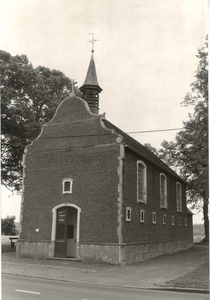 De Warandekapel in Sint-Kruis-Winkel wordt momenteel gerenoveerd  © Noël De Jaeger