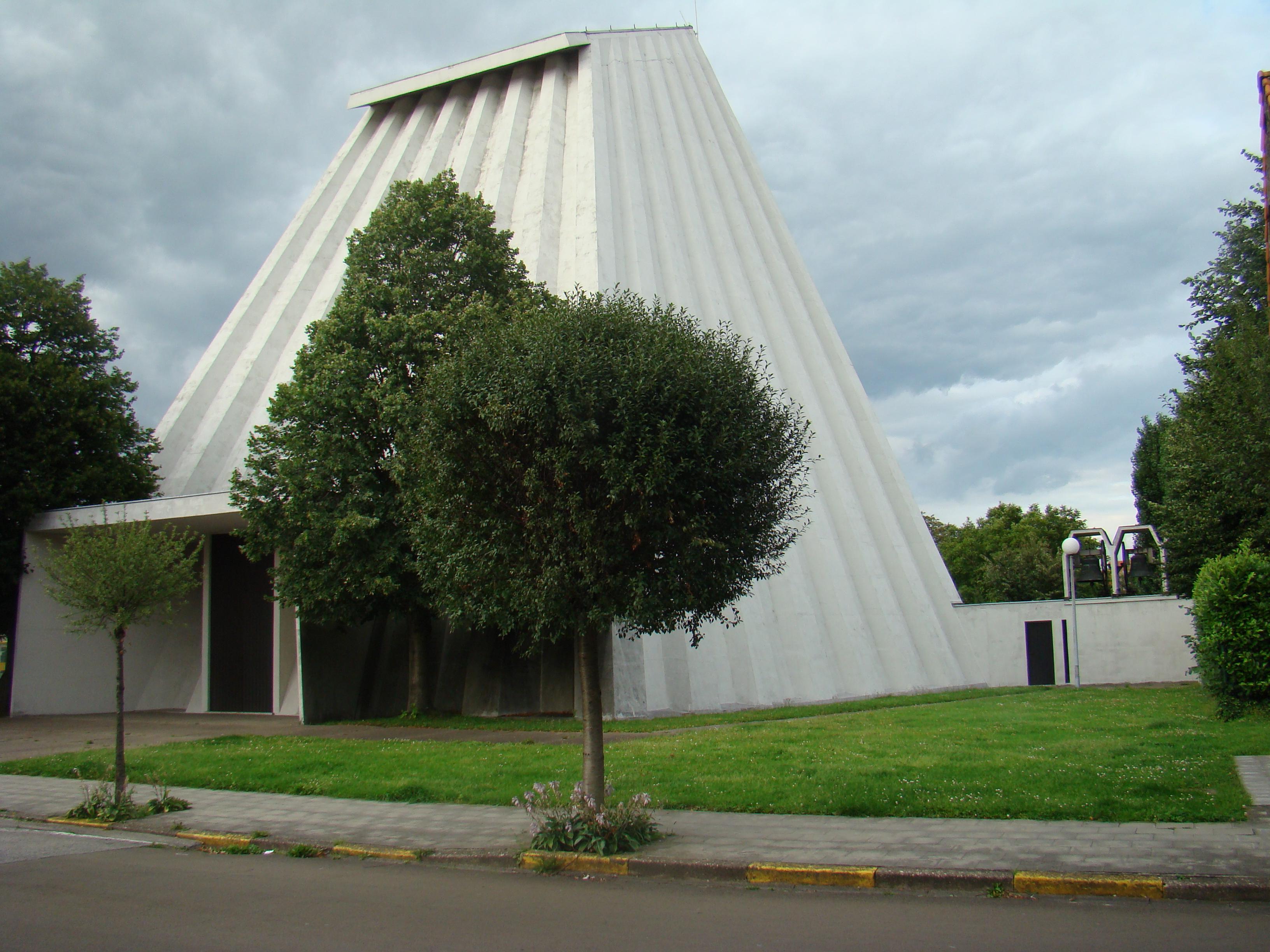 De Sint-Ritakerk in Harelbeke. © Wikimedia / Foroa
