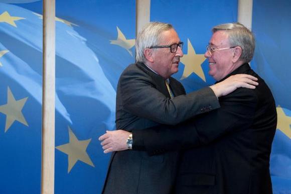 Comece-voorzitter Jean-Claude Hollerich met EU-comissievoorzitter Jean-Claude Juncker © Comece