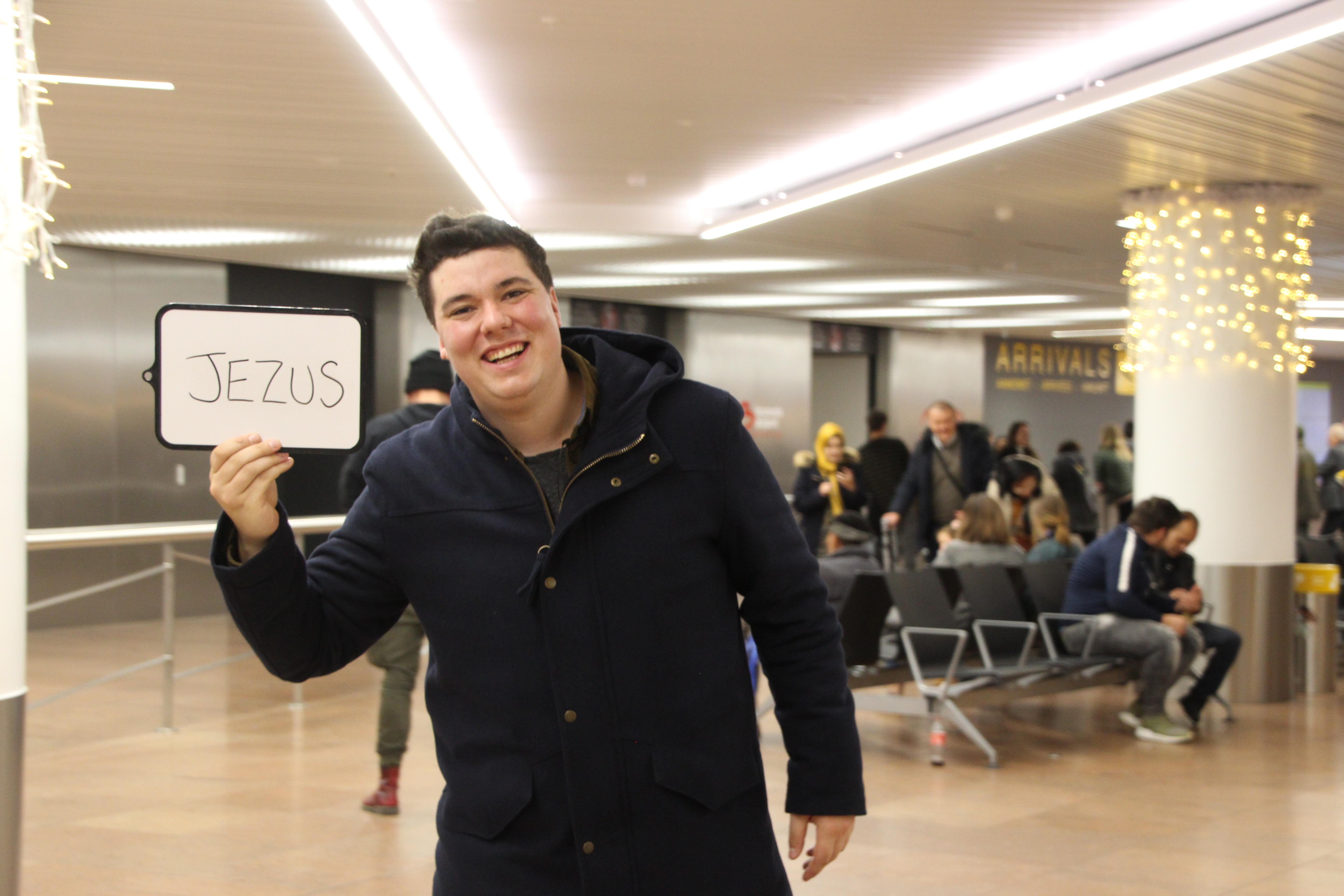 Isaac van IJD wacht op Jezus in de luchthaven van Zaventem.