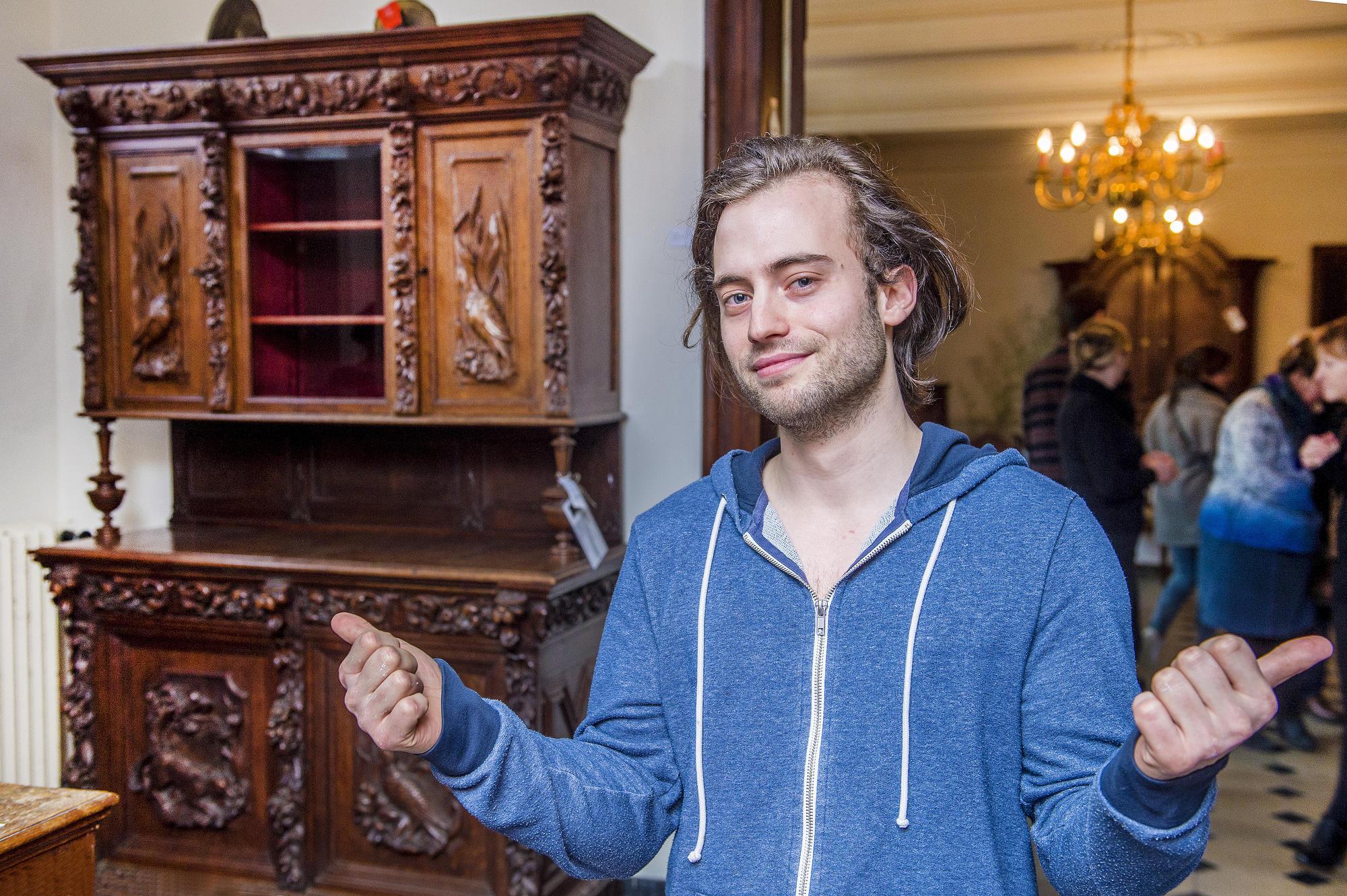 Dylan Meersman is met zijn voorliefde voor antiek op het juiste adres. © Frank Bahnmüller