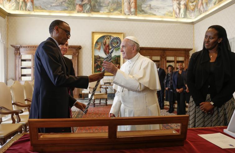 De Rwandese president bij paus Franciscus © SIR