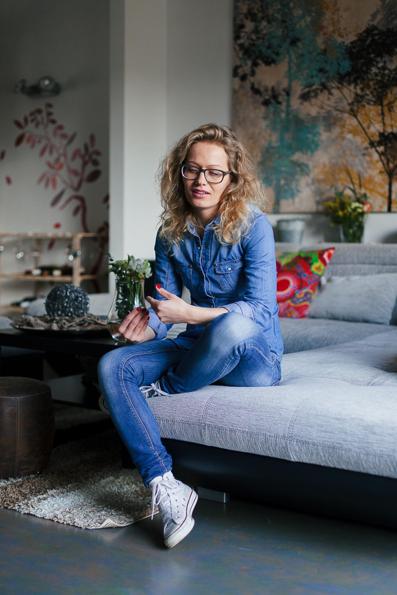 Lucie Trpisovska: 'Te jong om mama's dood te kunnen plaatsen.' © Mathias Hannes
