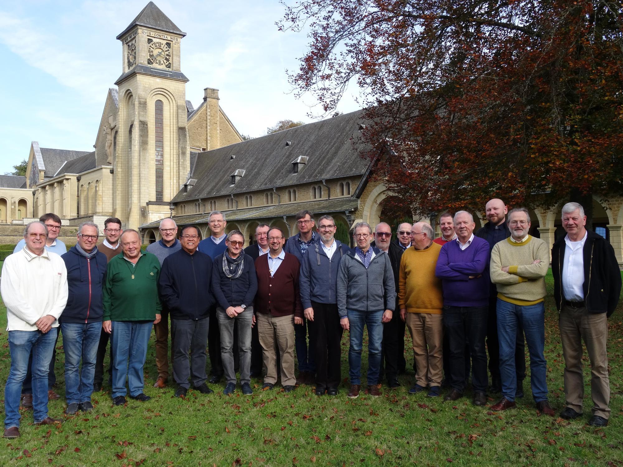 Groepsfoto met Mgr. Bonny en de deelnemers aan de abdijdagen © Bisdom Antwerpen