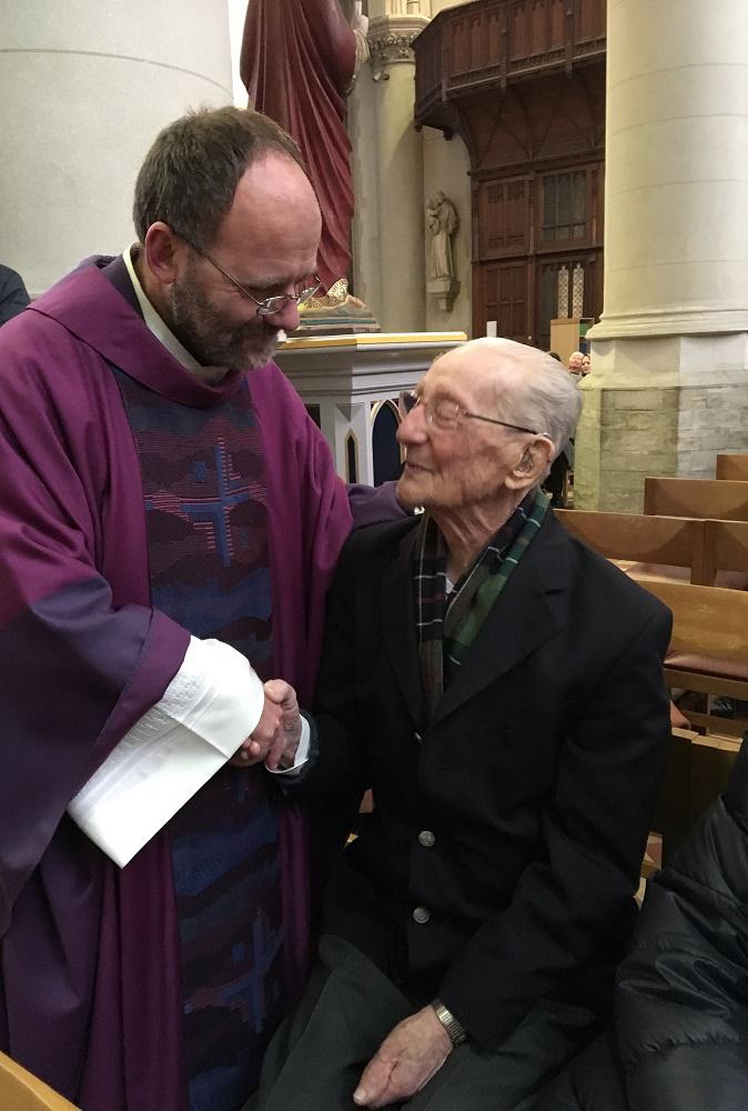 Paul Hofman, een kranige 102-jarige parochiaan
