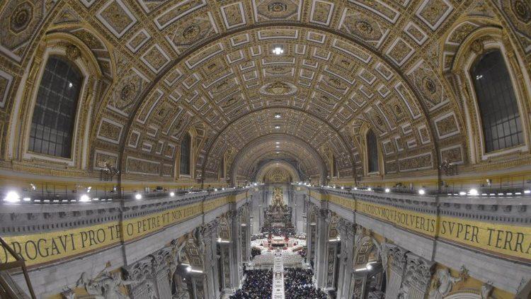 De ledverlichting in de Sint-Pietersbasiliek © Vatican Media