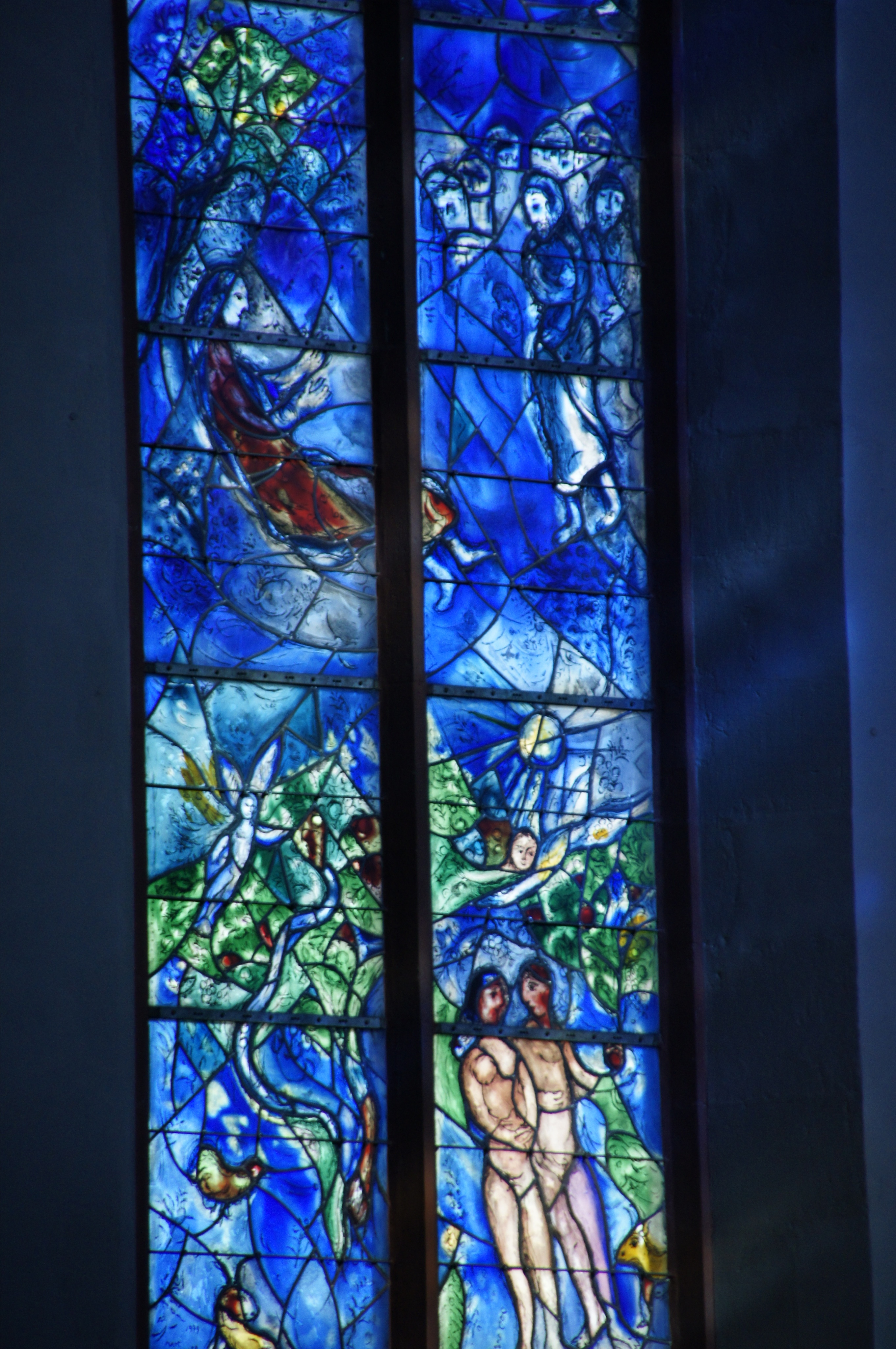 'Vredesraam' door Marc Chagall in de Sint-Stefanuskerk in Mainz. © Polybert49, Flickr CC