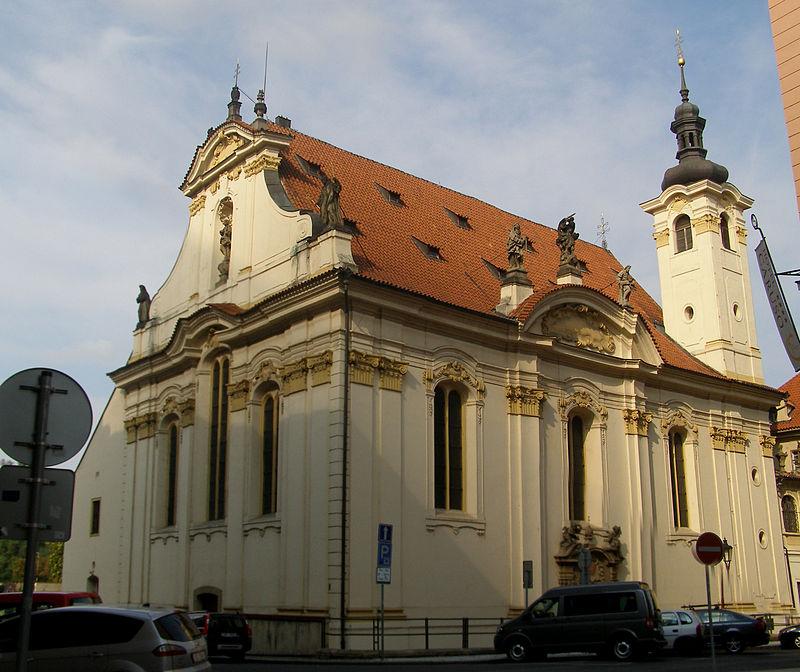 De barokke Simon en Judaskerk in Praag © Wikipedia