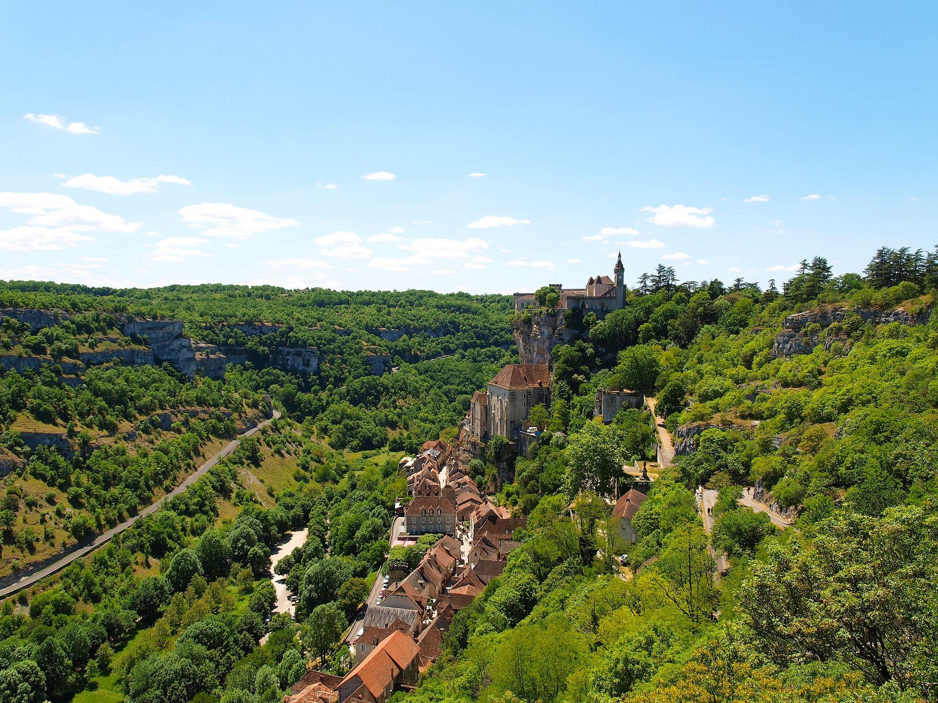 Rocamadour is een stadje in Frankrijk. De stad is na Lourdes de meest bezochte bedevaartsplaats van Frankrijk.