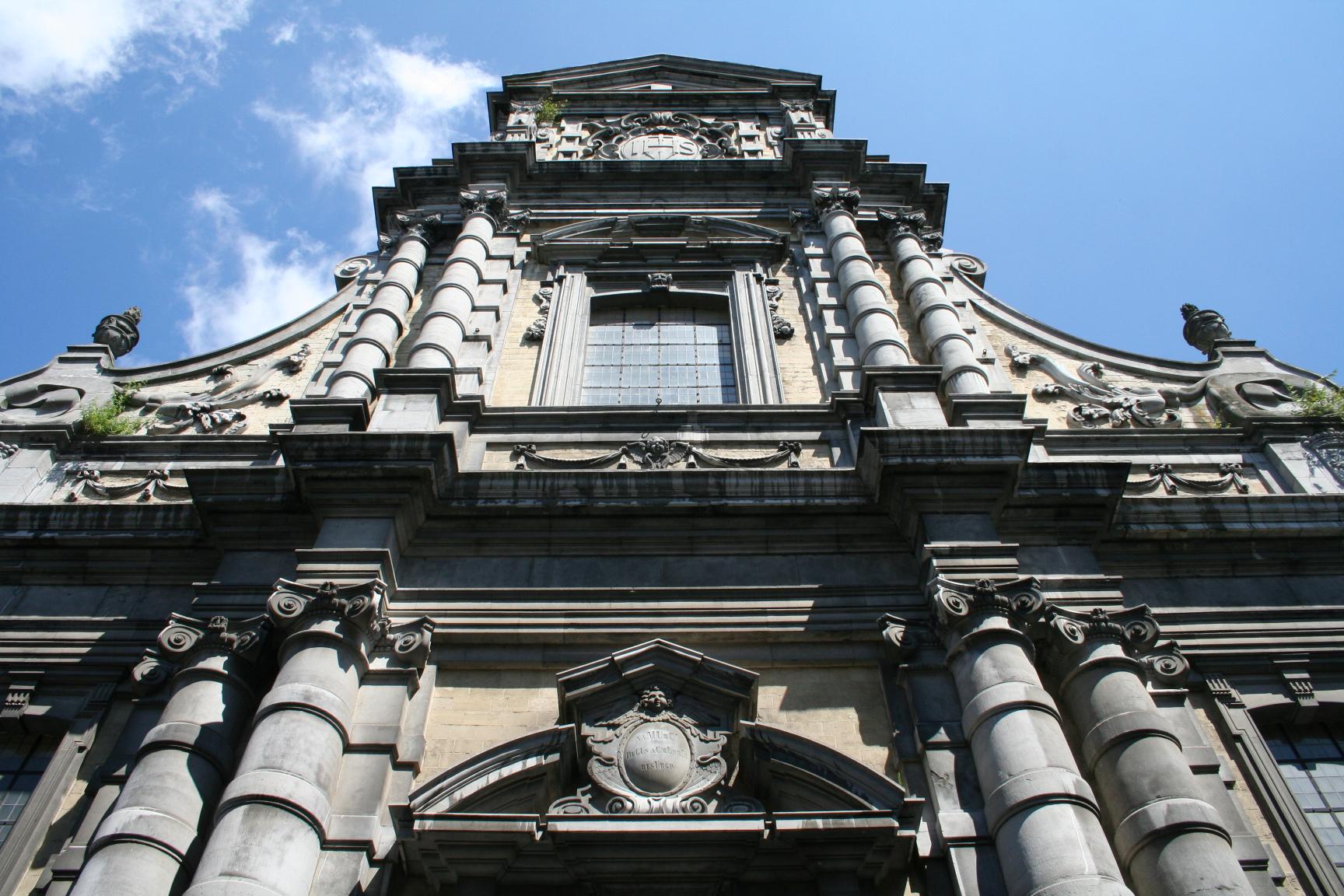 Saint-Loupkerk, Namen.