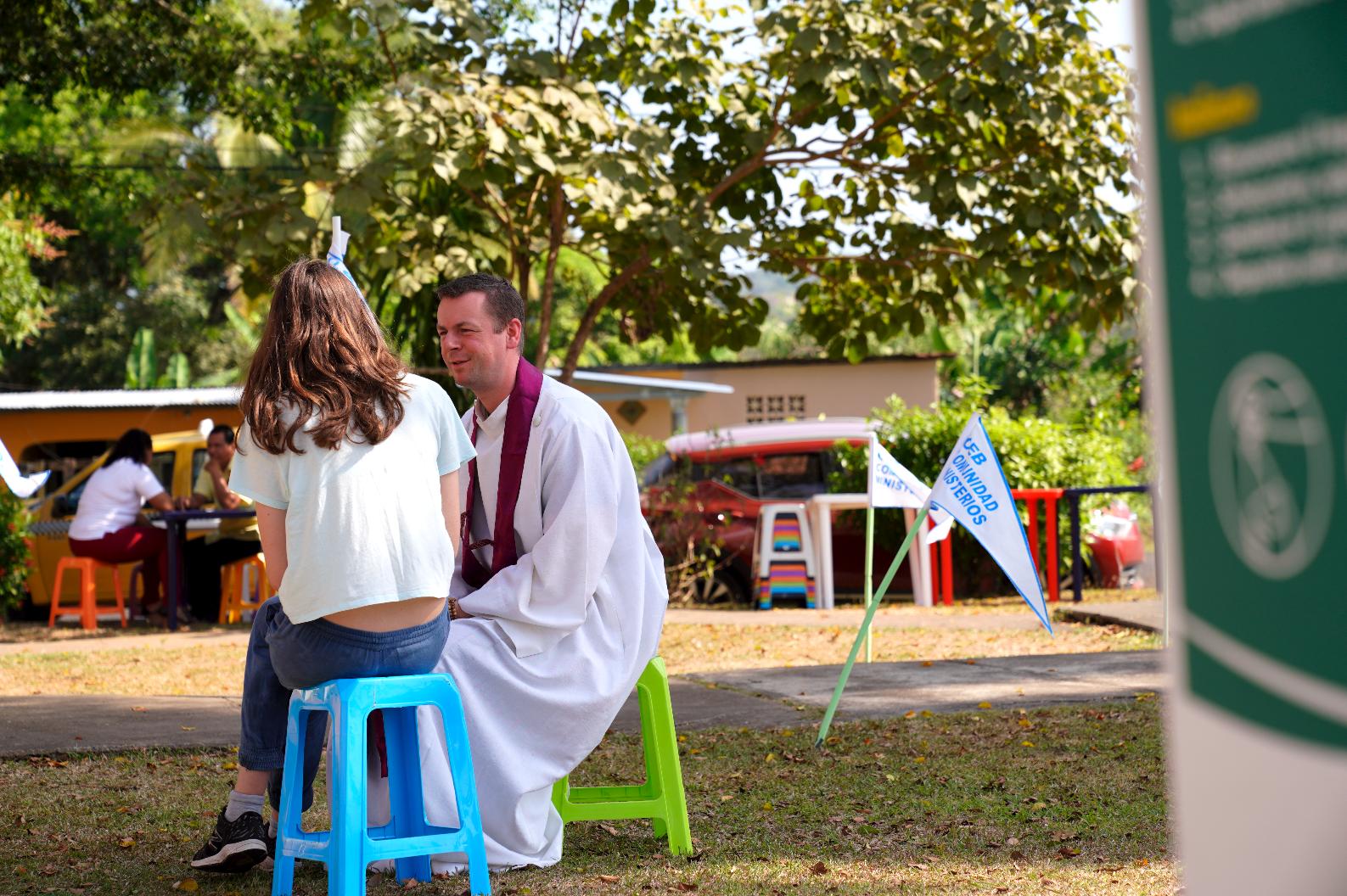 Veel jongeren kozen voor een persoonlijk gesprek of een biecht bij een priester. © Koen Van den Bossche