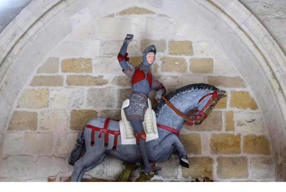 Het gerestaureerde Sint-Jorisbeeld in een kerk in de Spaans-Baskische stad Estella © ArtUs Restauración Patrimonio