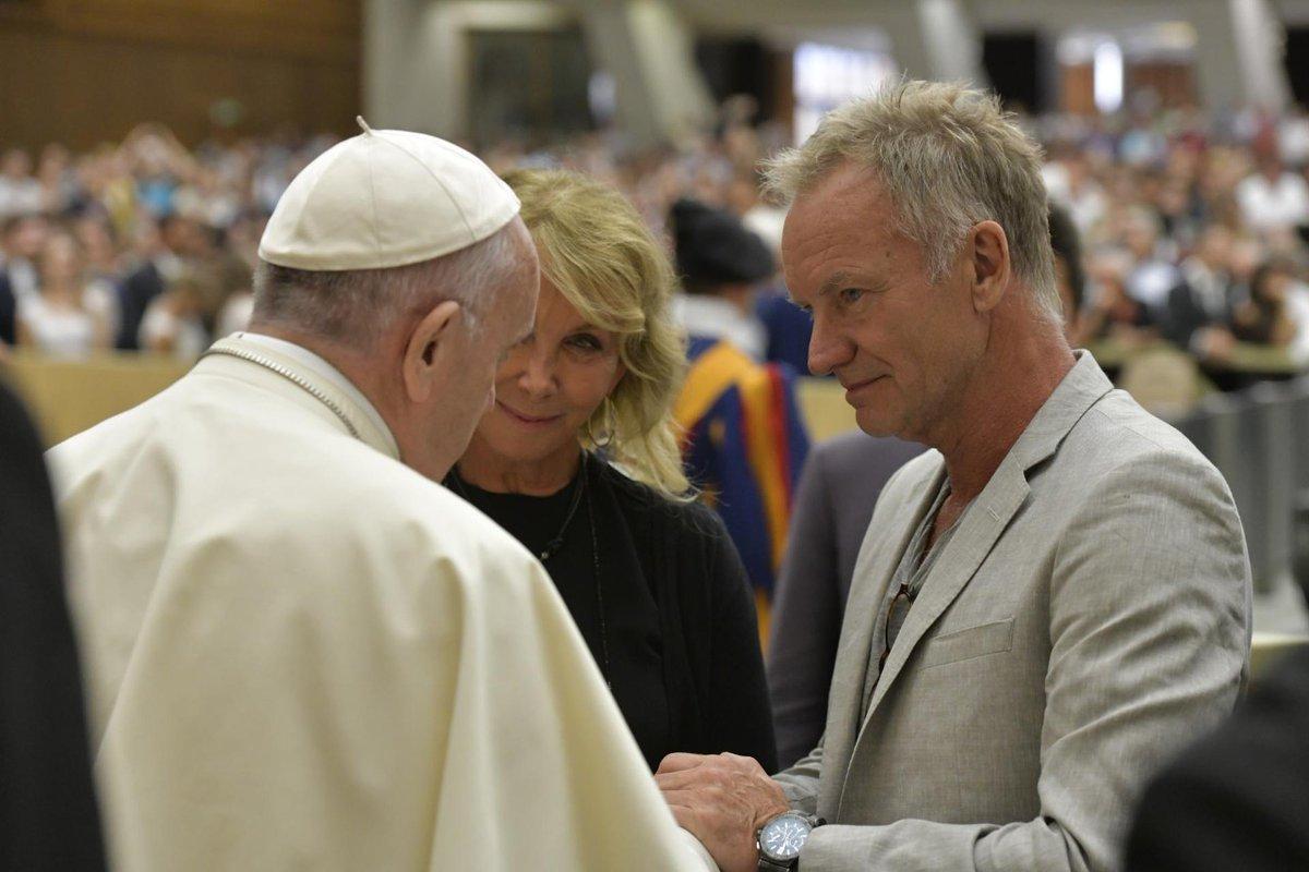 Sting en zijn echtgenote bij paus Franciscus © Vatican Media