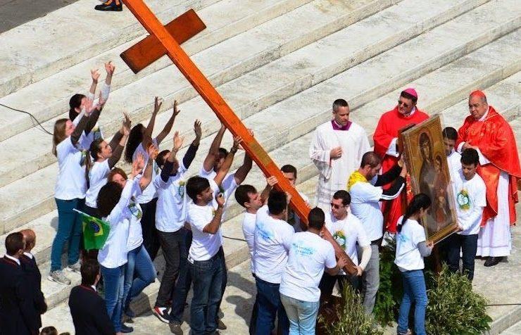 Het houten kruis en Maria-icoon van de Wereldjongerendagen © Zenit