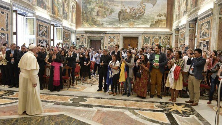 Paus Franciscus ontmoette zaterdag 250 jongeren © Vatican Media