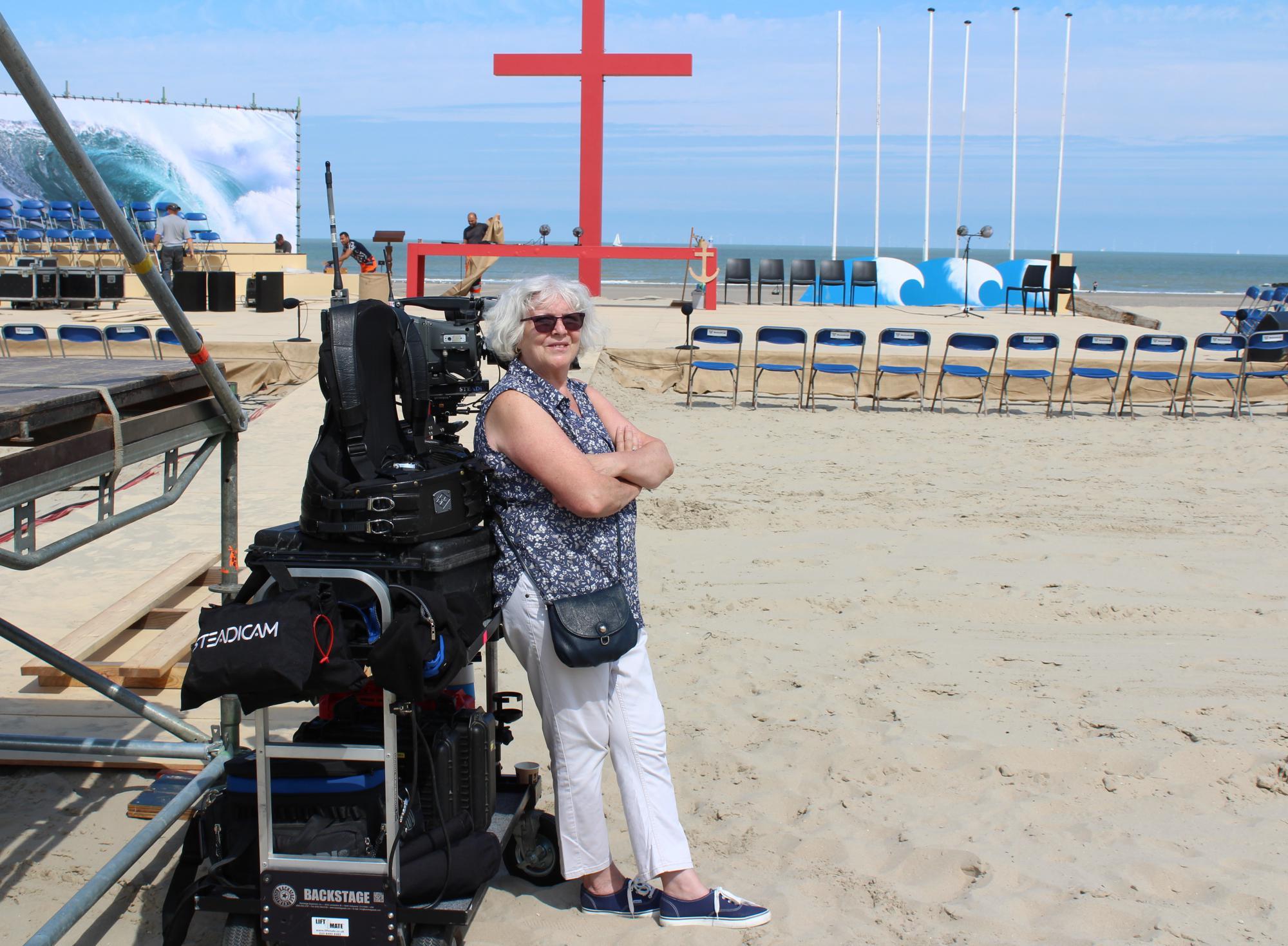 Ingrid De Vos bij de opnames van de tv-mis met zeewijding in juli laatst. © Guido Honnay