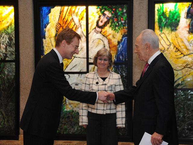 De Belgische ambassadeur bij de overhandiging van zijn geloofsbrieven in Israël