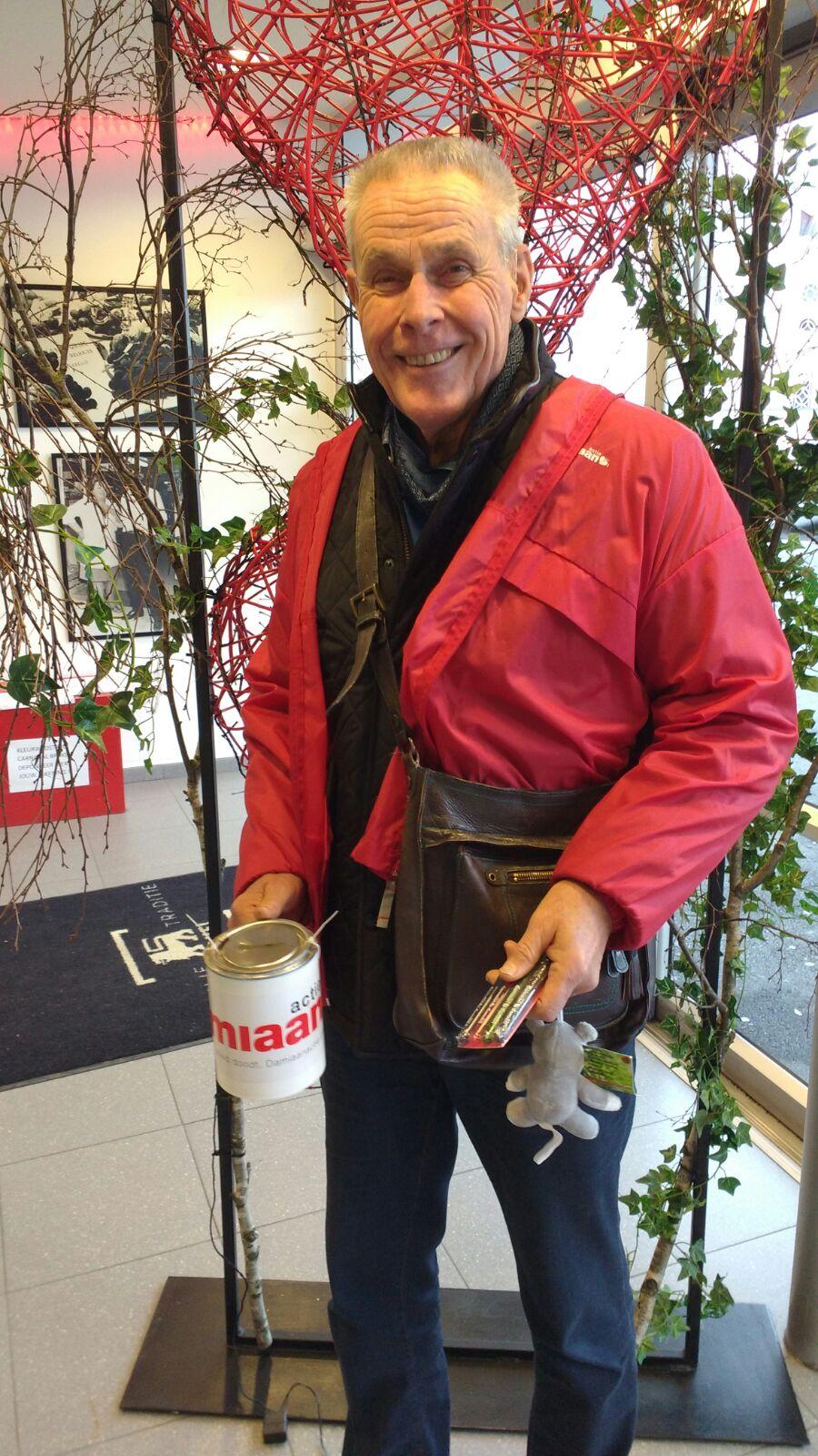 Freddy Bonte helpt bij de Damiaanactie 2018 © (c) Cynthia Roman