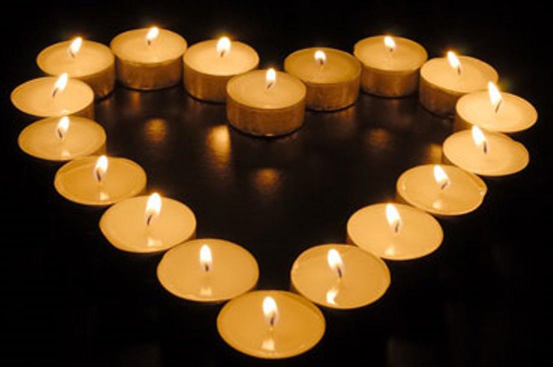 Kaarsje Branden Overleden Kind.Wereldlichtjesdag Op De Sterretjesweide In Leuven Kerknet
