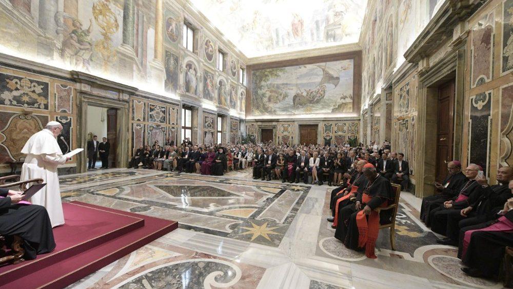 Paus ontving de deelnemers van de internationale milieuconferentie © Vatican Media