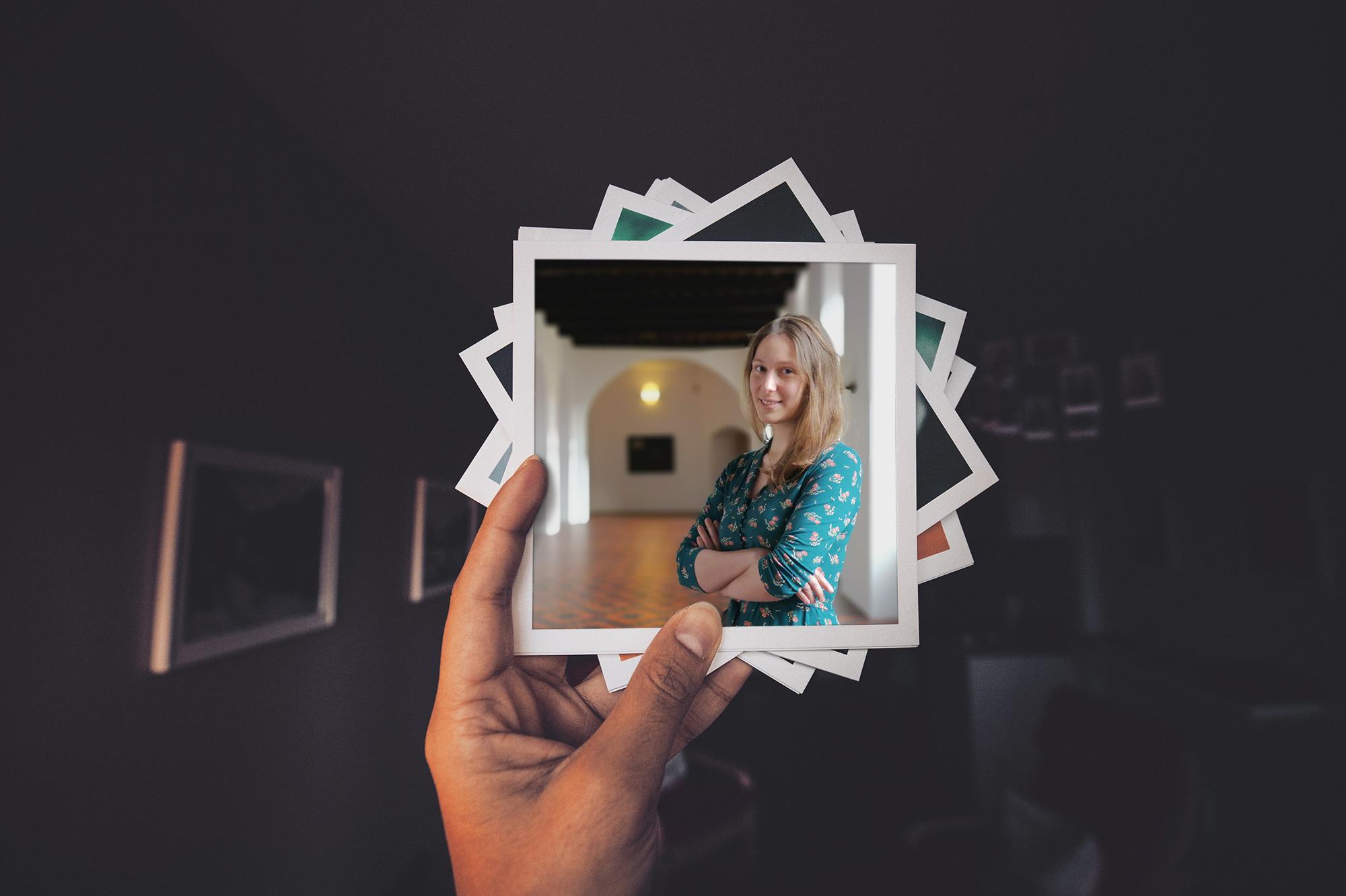 Liesbeth Degryse, educatief medewerker CCV Brugge © Portret en collage Sim D'Hertefelt, frame Unsplash