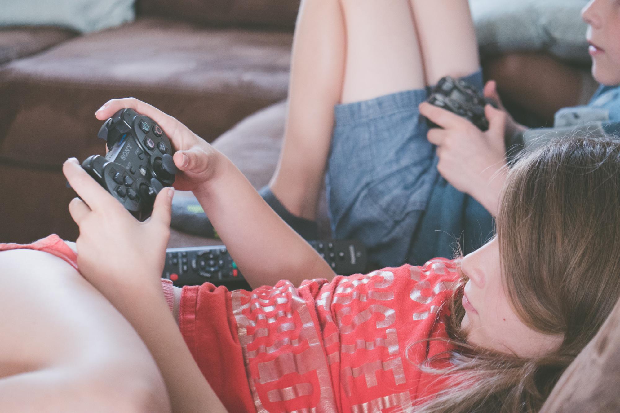 Kinderen bewust maken van hun schermgebruik, is een werk van lange adem dat je samen aanpakt. © Jessica Lewis CC Pexels