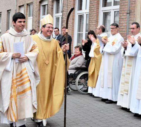 Birger Dassonneville is tot priester gewijd. © Erna Nevejant