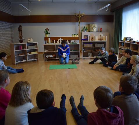 Godly Play Don Bosco in de Kindertuin Marke © Michiel Van Mulders