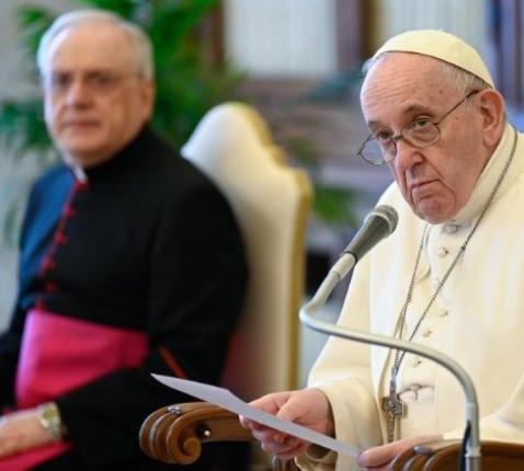 Paus Franciscus tijdens de algemene audiëntie van woensdag 5 mei 2021 © VaticanMedia