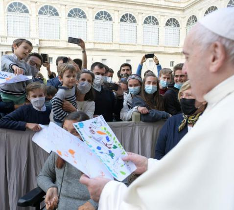 Paus Franciscus tijdens de algemene audiëntie van woensdag 12 mei 2021 © VaticanMedia