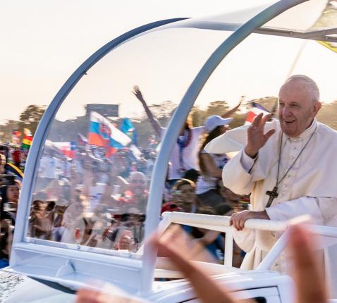 De paus riep de jongeren op om hier en nu een christelijk leven te leiden. © Koen Van den Bossche