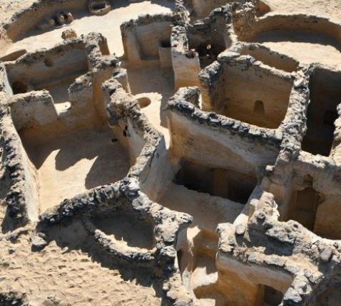 De nederzetting van de kluizenaars van Bahariya © Vatican Media