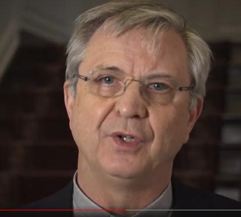 Bisschop Johan Bonny roept de katholieken op zich te laten inenten tegen het coronavirus