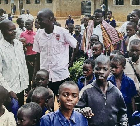 Catechisten en leerlingen in Oeganda © VaticanMedia