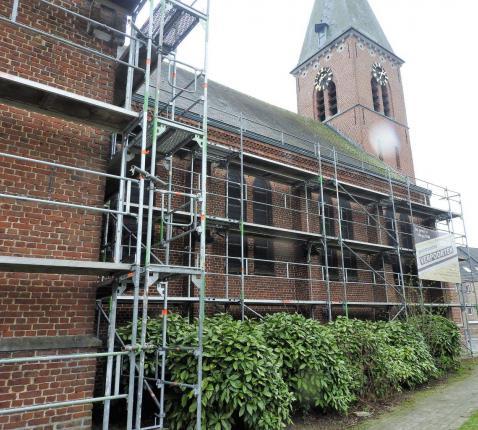 Werken aan Haasroodse kerk © Hugo Hollé