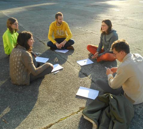Een groep jongeren vanaf 16 jaar aan het werk © (c)Ann Vannieuwenhove