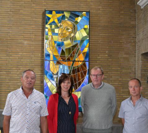 De leden van de nieuw verkozen kerkraad. Daniël Van Nieuwenhuyze ontbreekt op de foto. © Geert Defauw