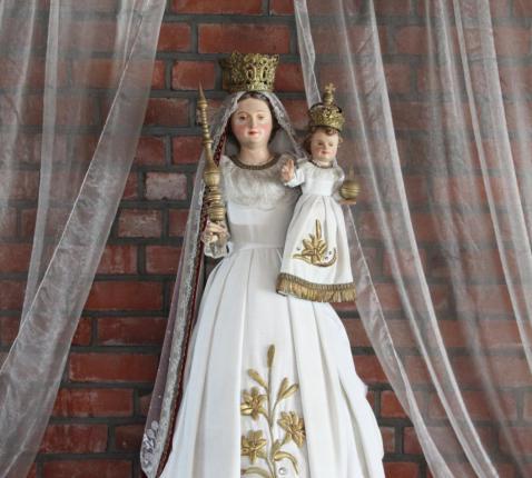 Het beeld van Maria in de Spoelekerk. © HVDS