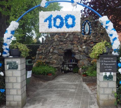 100 jaar grot in Peer © Parochie Linde