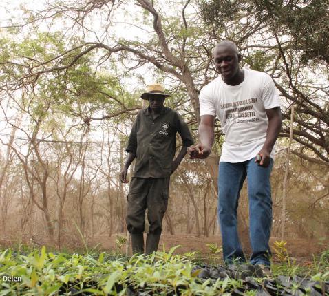Broederlijk delen wil investeren in ondernemingen die in handen zijn van de boeren. Ze verwerken hun oogst en verkopen de producten op de lokale markt. Na jarenlange strijd geeft dit deze mensen een tweede adem. © Thomas De Boever