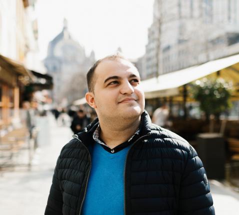 Fatos Syla: 'Moeder Teresan, die net als ik van etnisch Albanese afkomst was, leert me alles' © Mathias Hannes