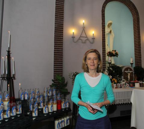 Tegenwoordig is Christiane Vandecasteele de drijvende kracht achter de Dankkapel.
