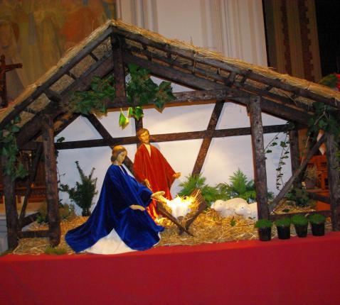 Kerststal in de kerk © JvR