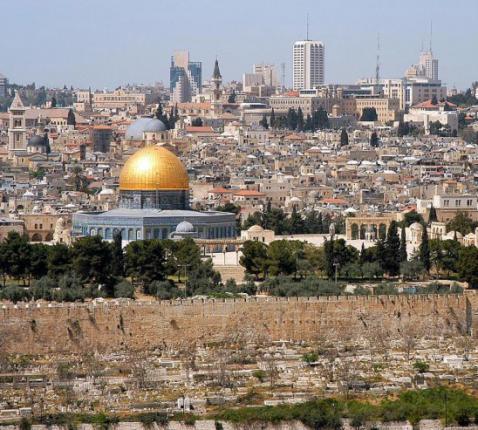 Jeruzalem vanuit de Hof van Olijven © Wikimedia
