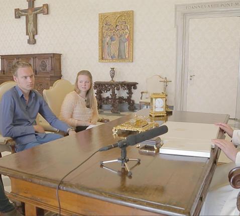 Vlaamse jongeren bij Paus Franciscus © IJD
