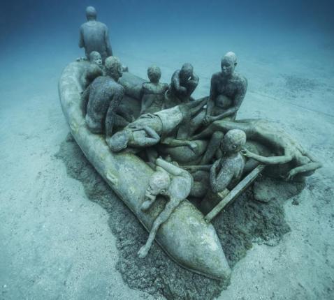 'Raft of Lampedusa' van Jason deCaires Taylor in Lanzarote. © Museo Atlantico